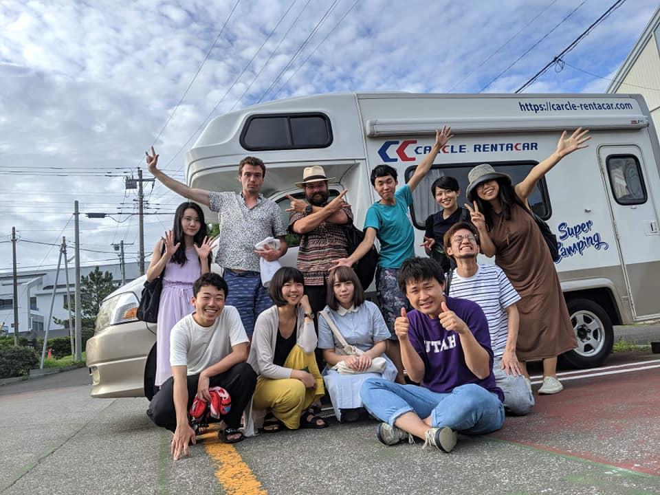 (JP) アーティストシェアハウスCanvas<br>キャンピングカーで海旅行!
